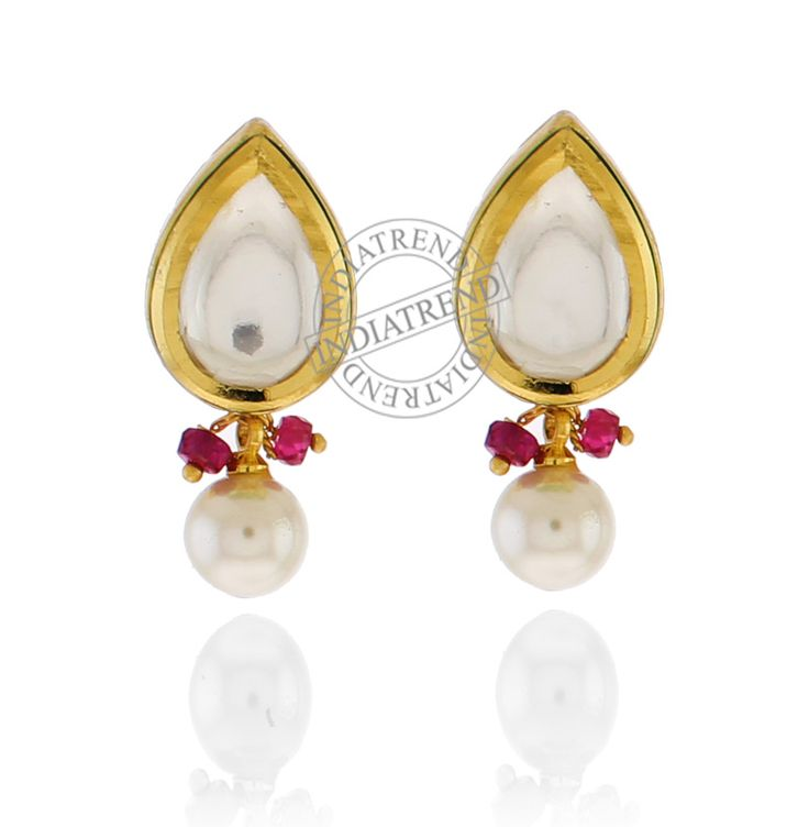 The MUMTAZ EARRINGS by Indiatrend. Shop Now at WWW.INDIATRENDSHOP.COM