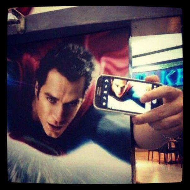 Orang kreatif tuh banyak..ha #Narsis #ManOfSteel #Superman