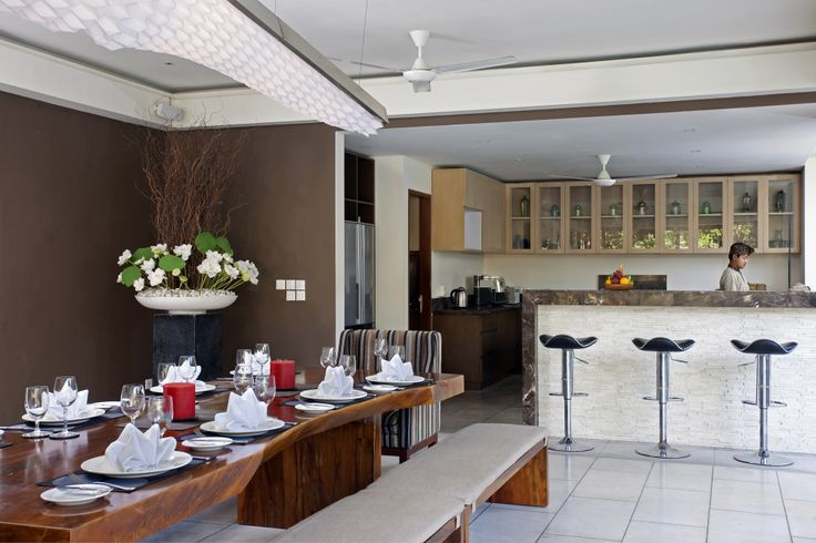 Dining Room and Bar Villa Dewi Sri http://prestigebalivillas.com/bali_villas/villa_dewi_sri/20/service_facility/