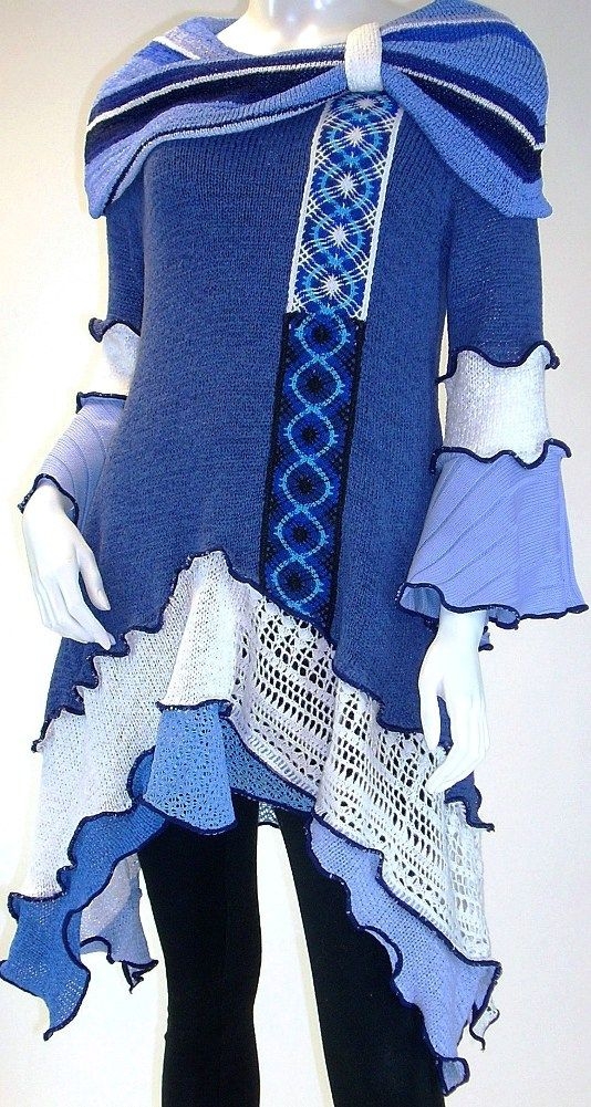 Blue White and Navy Cowl Collar Tunic, Size Medium ( 8-10-12) |