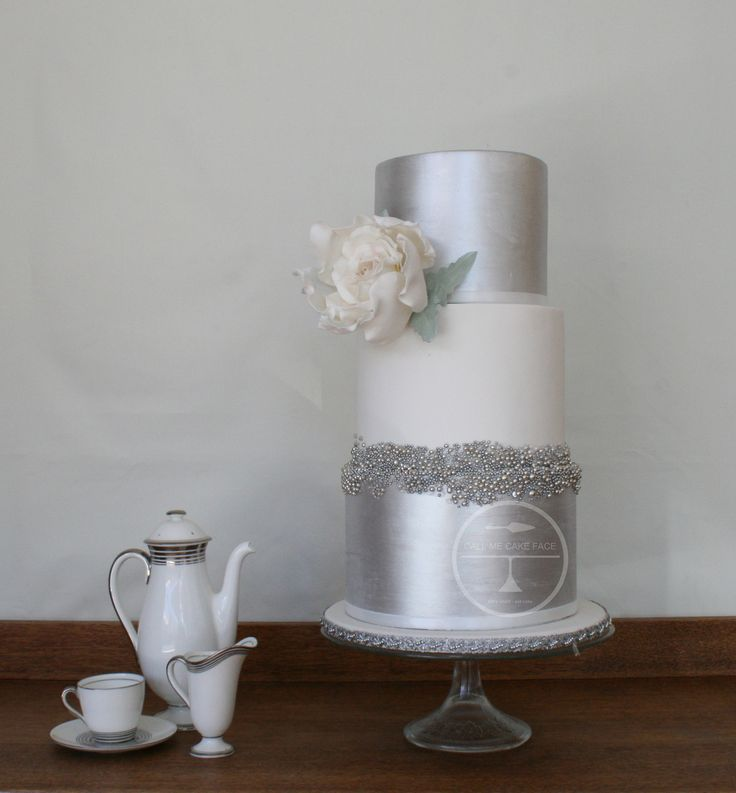 Cachous and silver lustre with sugar rose.