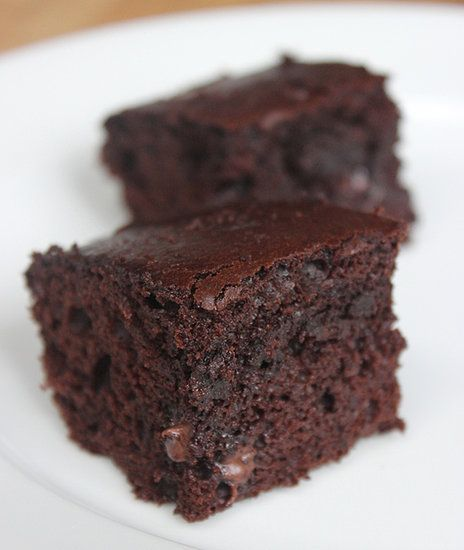 Greek Yogurt Brownies: This 125-calorie brownie sheds over 150 calories from traditional recipes. These fluffy squares taste just as sinful without any guilt.