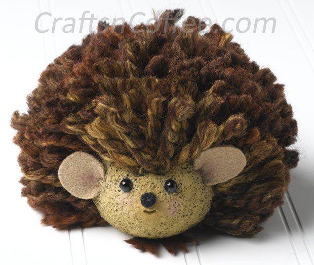 Tutorial to make the sweetest Yarn Baby Porcupine. So sweet! #KidsCrafts CraftsnCoffee.com.