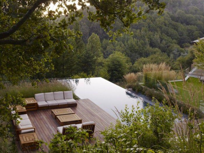 prachtig uitzicht vanaf terras met zwembad/vijver