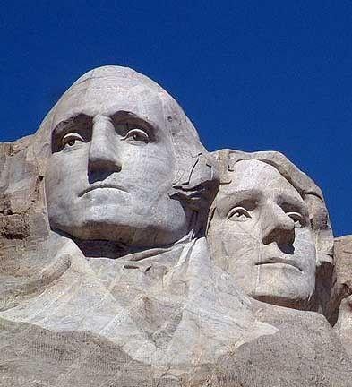 Bijna alle belangrijke personen in het verhaal halen hun naam van bekende personen, Washington en Jefferson werden bijvoorbeeld vernoemd naar de presidenten, Donna dan naar de zangeres Madonna.