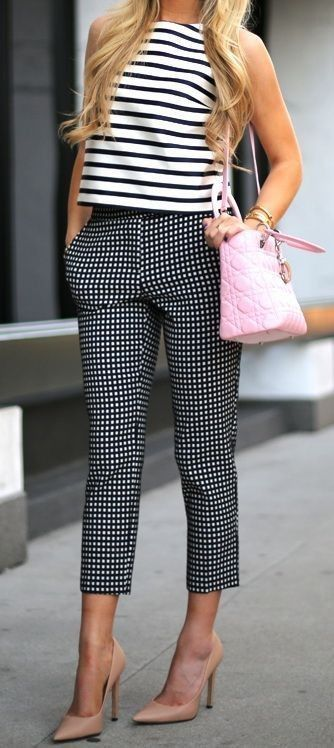 Spring trends | Striped top, patterned capris, blush heels, handbag