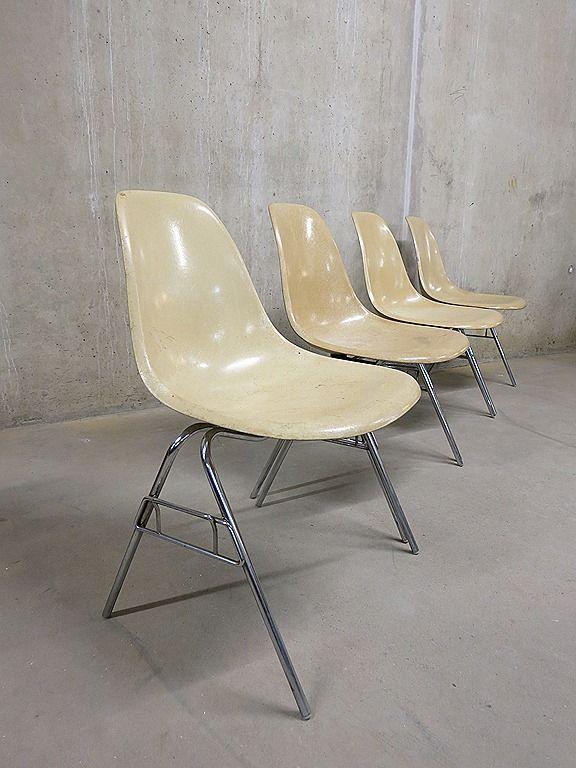 vintage Eames stoelen
