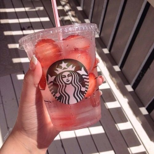 ⭐️ Bella Montreal ⭐️ Insta: bella.montreal || Pinterest & WeHeartIt: bella4549 || Strawberry, water, starbucks, healthy, photography, summer,