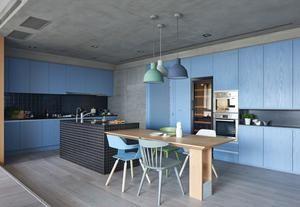 Pareti colorate di blu e nascondigli segreti, una casa bellissima a Taiwan