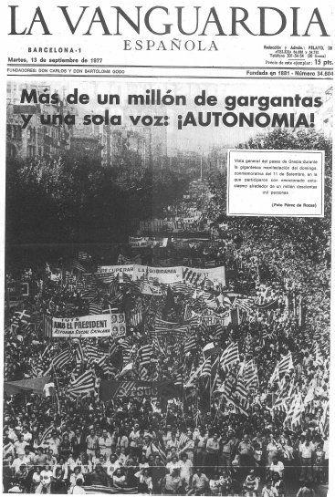 """Portada de """"La Vanguardia"""" dedicada a la Diada de l'Onze de Setembre de 1977 (un milió de manifestants a Barcelona - Catalonia)"""