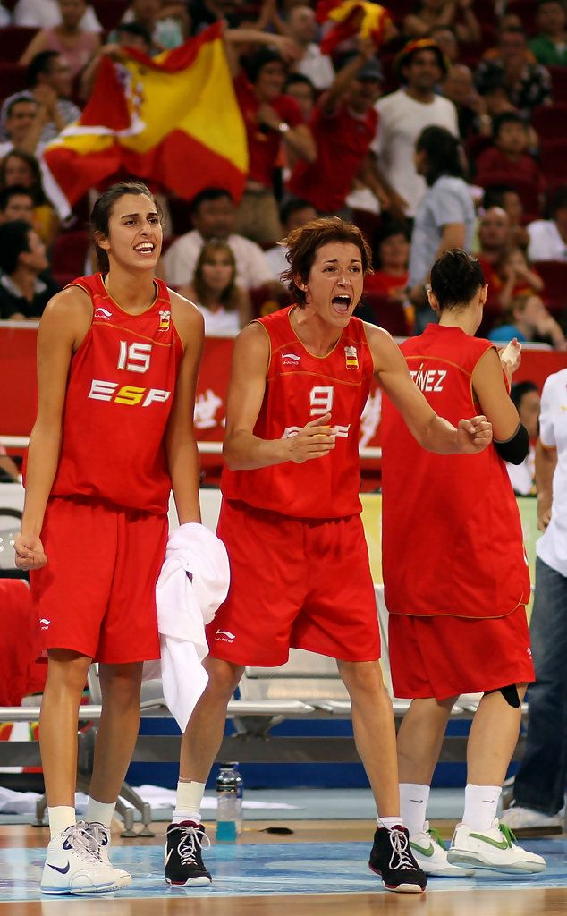 Alba Torrens Photos - (L-R) Alba Torrens #15 and Laia Palau #9 of Spain support their teammates against Russia during their quaterfinal women's basketball match on Day 11 of the Beijing 2008 Olympic Games at the Wukesong Indoor Stadium on August 19, 2008 in Beijing, China. - Olympics Day 11 - Basketball