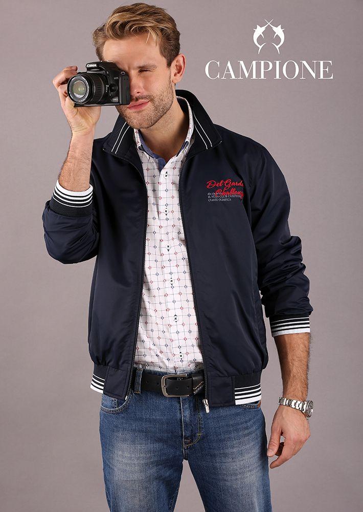 Die Herrenjacken aus der Mode bestechen durch kreative Designs und trendige Details.