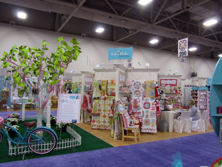 1000 images about craft fair booth ideas for quilts on for Quilt and craft show