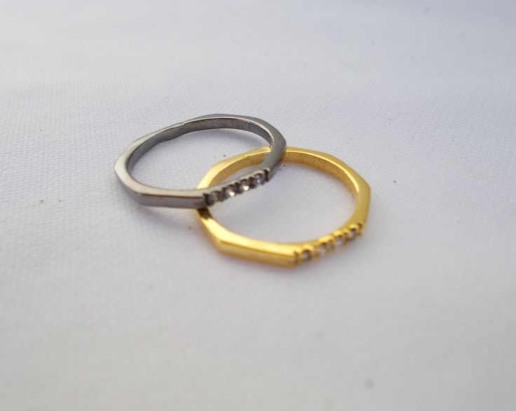 New style! Lovely rings. So chic and so cute at the same time!!! www.drscreations.gr