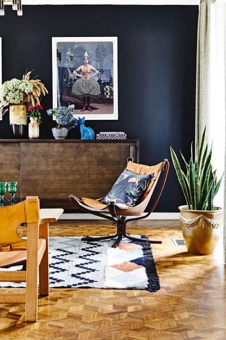 Jaren 70 huis vol met kleur, hout en rotan