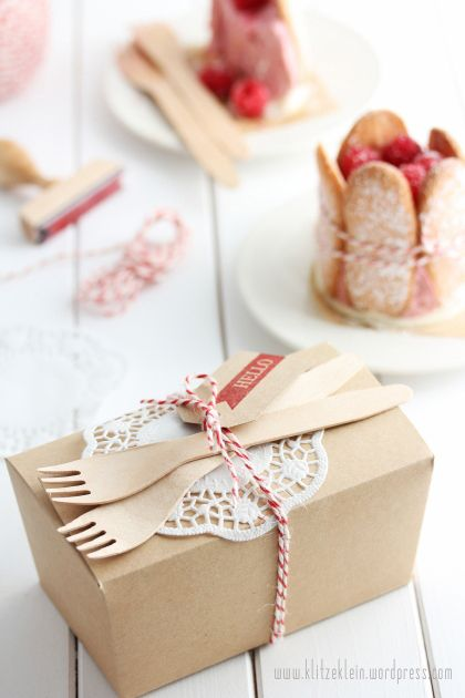 Cake/sandwich takeaway box | lunch time  'Picnic' idea