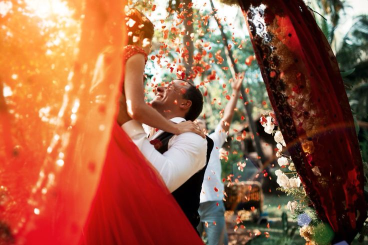 Red inspiration from Real life, real love, real wedding