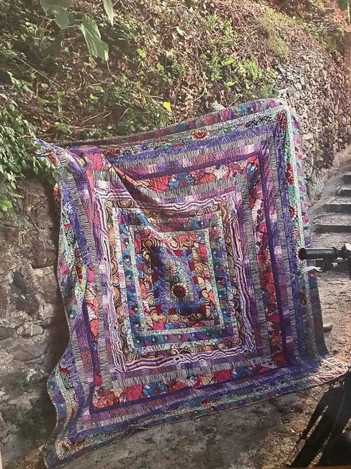 Maryjo O Bradovich Stone Log Cabin Quilts Of Italy Kaffe Log Cabin Quilts Easy Quilts Quilts