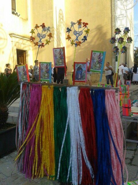 La devozione da manifestare e la benedizione da portare a casa. Festa di San Pantaleone a Martignano. #WeAreInPuglia @parcopalmieri #parcopalmieri #pugliaevents