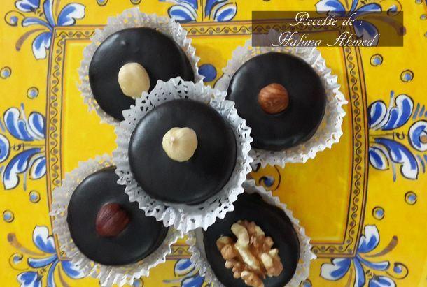 sablés cacahuetes et chocolat Bonjour tout le monde,  Encore une autre recette de sablé bien mo...