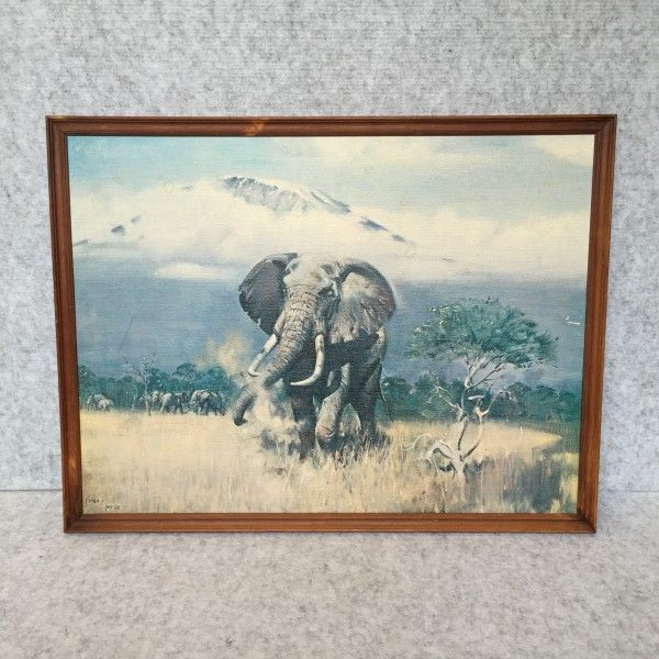 VINTAGE ELEPHANT PRINT - $45 AUD This retro looking beauty was originally painted in July 1968. Has some slight moisture marks (see photos) but otherwise in good ready-to-hang vintage condition.