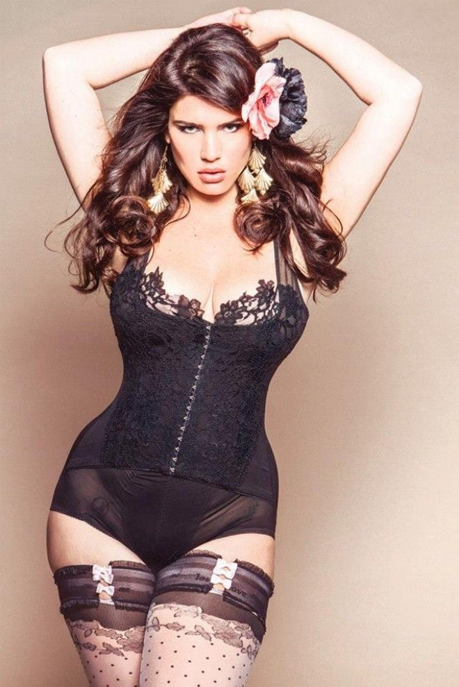 .My corset loving heroine - Eleanor (Nell)