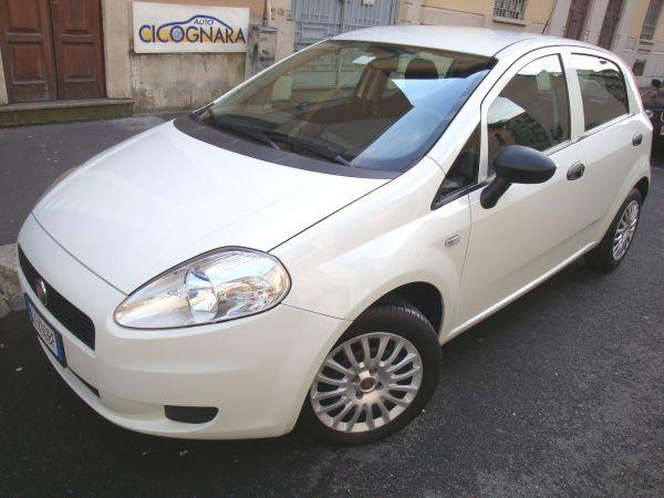 #AutoCicognara  #AutoUsate  #Milano  #NuovoArrivo  idonea per  #Neopatentati  :  Fiat Grande Punto 1.2 5p  11/2009  KM. 40.000   € 5.900,00