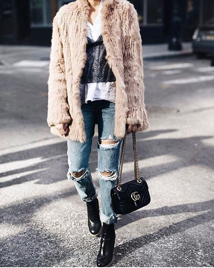"101 Likes, 3 Comments - www.Brand-Store.com (@brandstore) on Instagram: ""Günün stil ilhamı 💯 Kombin için link bio'da👆🏼📷: @emily_luciano #inspiration #fashionblogger #ootd…"""