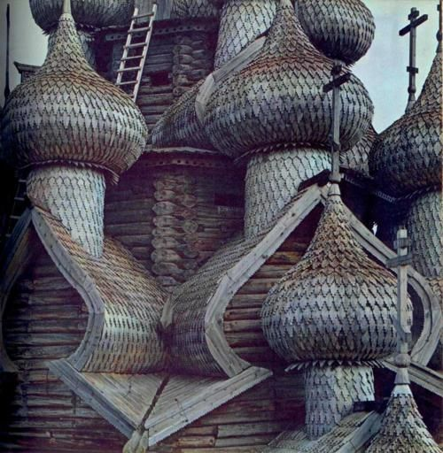 Кивач (Kivach): Petrozavodsk, Russia.   Holy Places: Onions Domes, Building, Church, Ivy Houses, Russian Orthodox, Places, Wood Structure, Logs Cabins, Russian Style