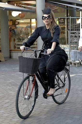 Lady Gaga fährt in Kopenhagen Velo. 20 Minuten - Stars satteln aufs Velo um - Aussehen