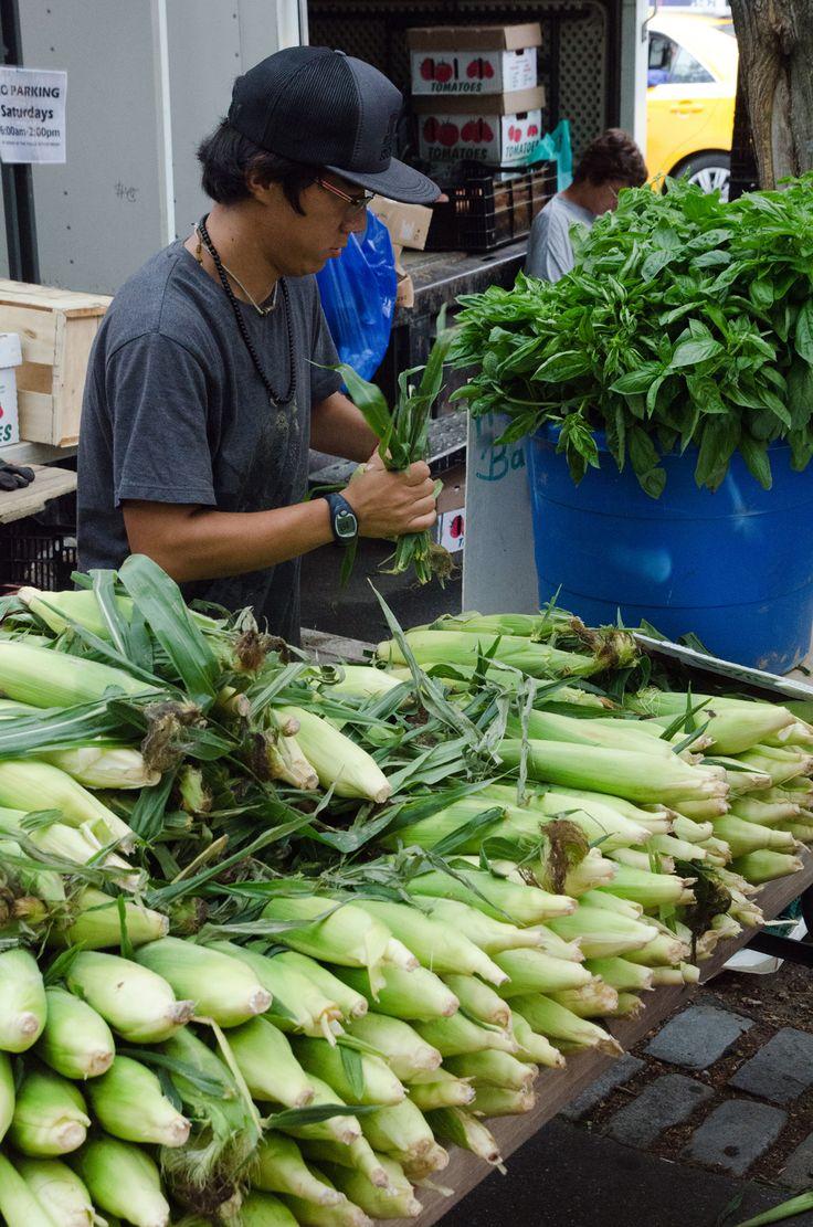 Abingdon Square Greenmarket NYC | heneedsfood.com