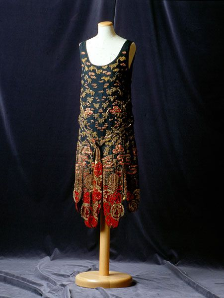 Black silk dress with red and gold embroidery, probably European, 1926. Tirelli Trappetti Foundation.