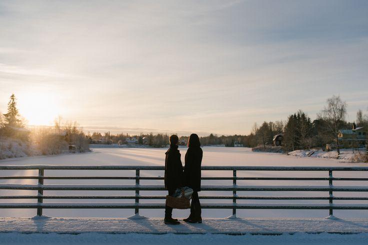 winter engagement session golden light couple portrait  Julia Lillqvist | Fredrika and Alexander | fotograf Nykarleby | http://julialillqvist.com