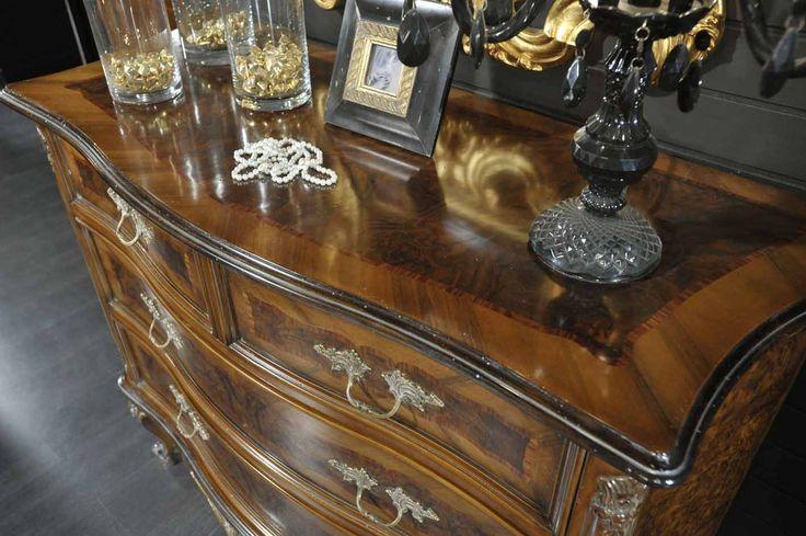 Particolare del piano Collezione Barocco #livingroom #livinglife #living #luxurylife #luxurylifestyle #luxury #luxurdesign #homedecor #luxuryhome #interiordesing #handmade #archiproducts #archilovers #istamood #istagood