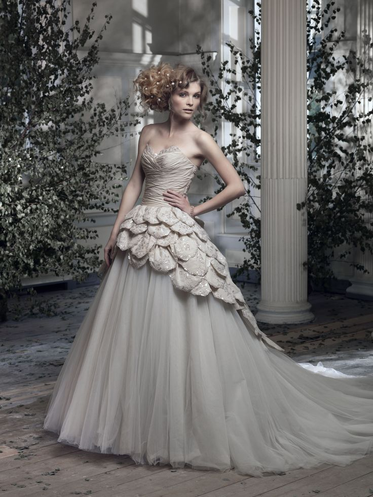 32 Best Ian Stuart Bride Designer Wedding Dresses At