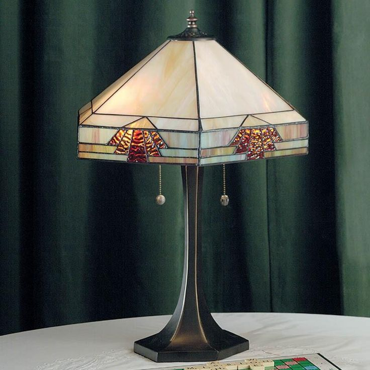 THE NEVADA LARGE TIFFANY STYLE TABLE LAMP
