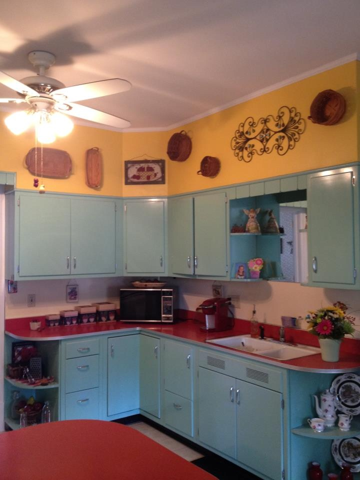 My 50 S Style Kitchen Original Cabinets And Counter New