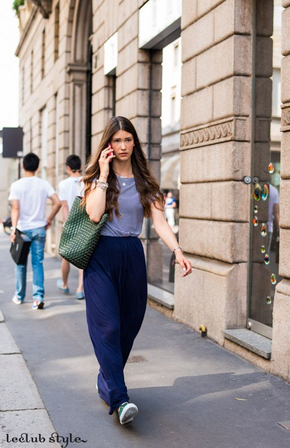 Womenswear Street Style by Ángel Robles. Fashion Photography from Milan Fashion Week. Casual comfy outfit spotted at Corso Venezia, Milano.