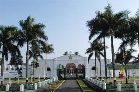 Benteng Kuto Besak, Palembang - Sumatera Selatan   I wasn't livin' this happen but I know it has a history deeply.