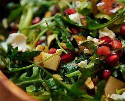 Салат с рукколой, грушей и фетой рецепт – салаты. «Афиша-Еда»