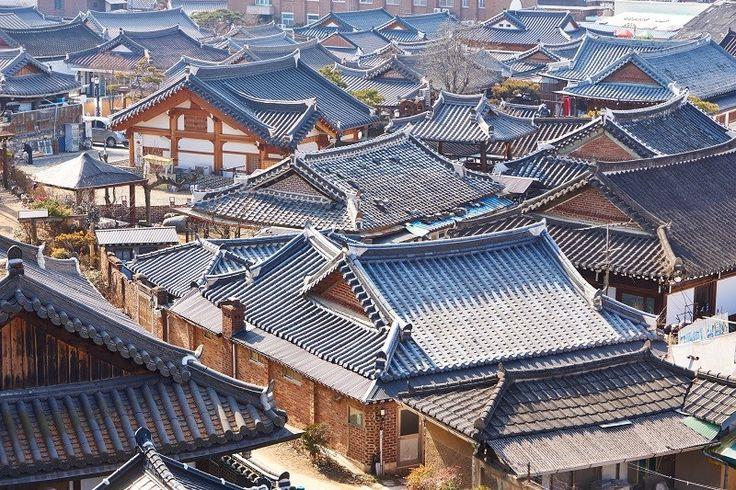Jeonju, Zuid-Korea. In het centrum van de stad vind je nog talrijke traditionele huizen.