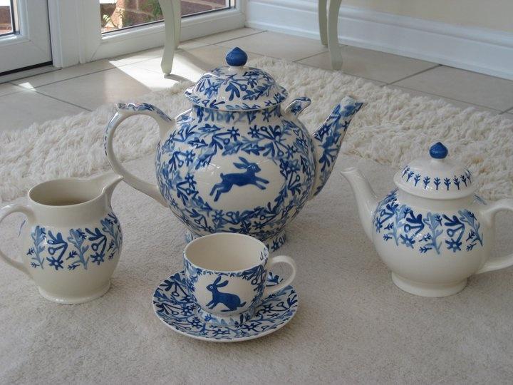 Emma Bridgewater Studio Special Mark Herald Blue Hare Gallon Teapot and Cup & Saucer
