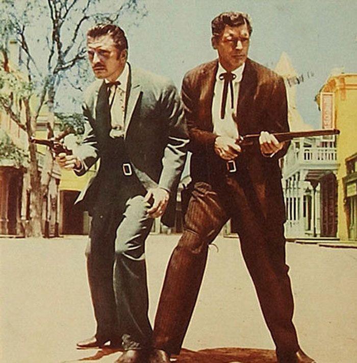"Kirk Douglas y Burt Lancaster en ""Duelo de Titanes"" (Gunfight at the OK Corral), 1952"