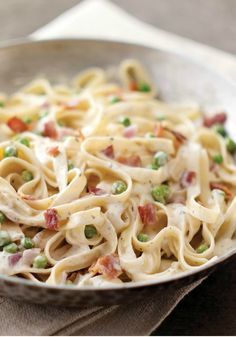 PHILADELPHIA Quick Pasta Carbonara – Cream cheese is the shortcut to making this classic Italian sauce. Bacon gives it added flavor. Just 20 minutes to fix makes it the perfect dish for business nights.