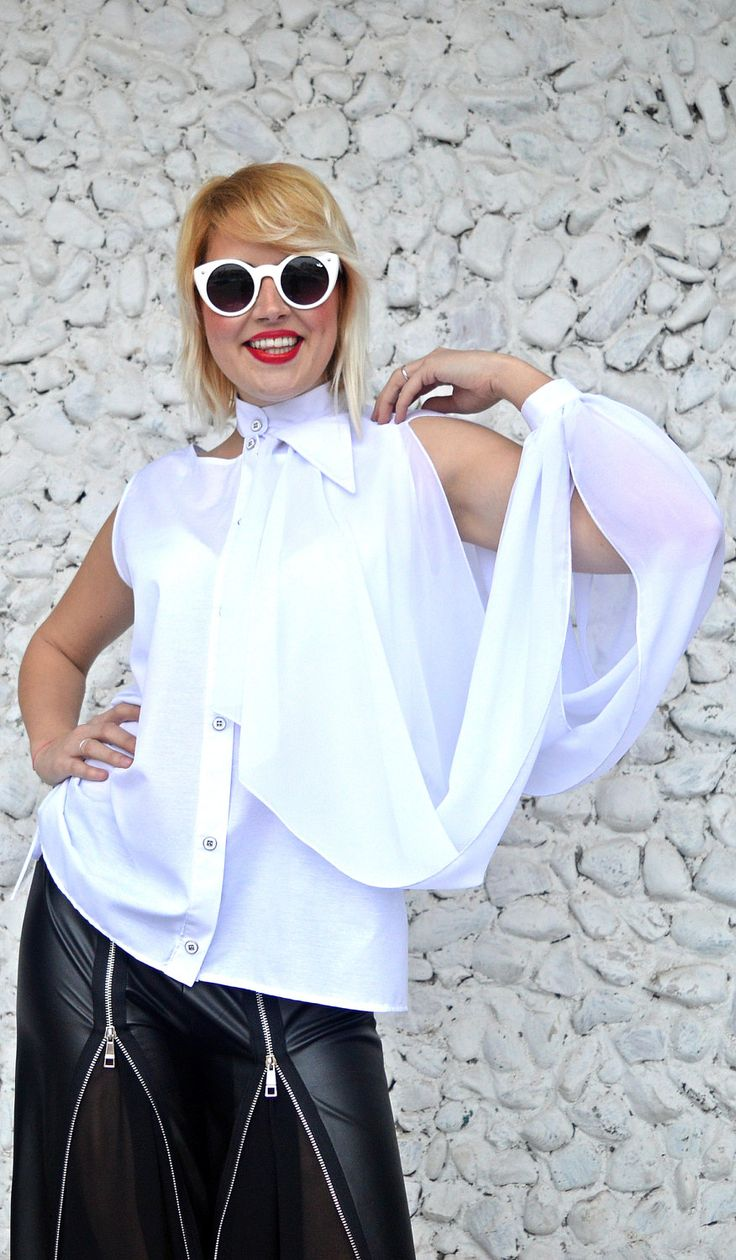 New in our shop! Extravagant White Top / Asymmetrical White Cotton Top with Chiffon Extravagant Sleeve / Funky White Blouse TT113 / URBAN MUSE https://www.etsy.com/listing/508582903/extravagant-white-top-asymmetrical-white?utm_campaign=crowdfire&utm_content=crowdfire&utm_medium=social&utm_source=pinterest