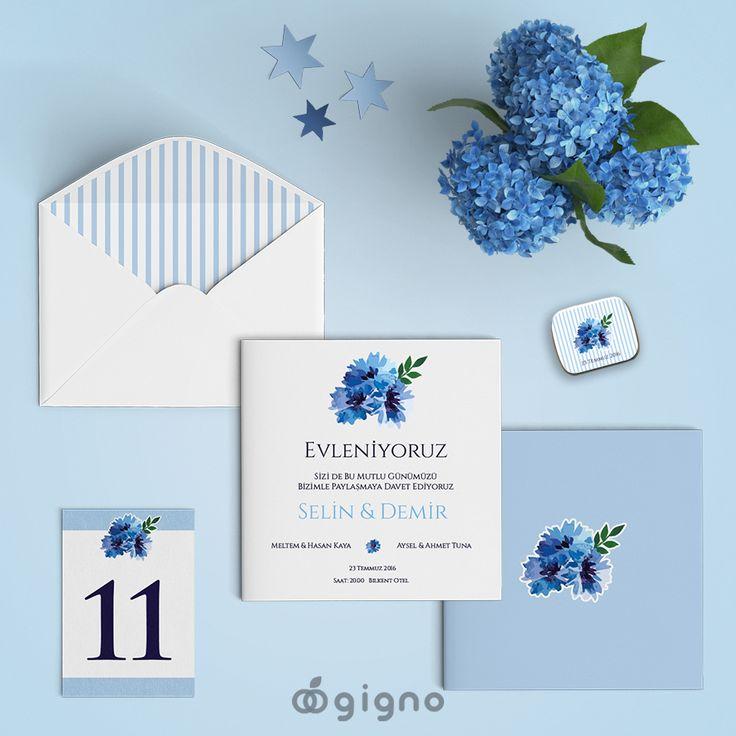 Mavi tutkunlarına... Floral düğün davetiyesi...