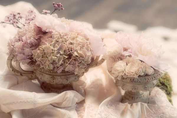 Love the colours: Chic Ideas, Kokeshi Dolls, Hydrangeas Colors, Design Ii, Antiques Chic, Shabby Chic, Cute Ideas, Botanical Candles, Photo Shoots