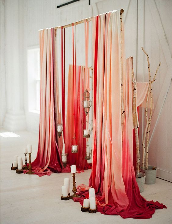 Red Ombre Wedding Decor / http://www.himisspuff.com/wedding-backdrop-ideas/7/