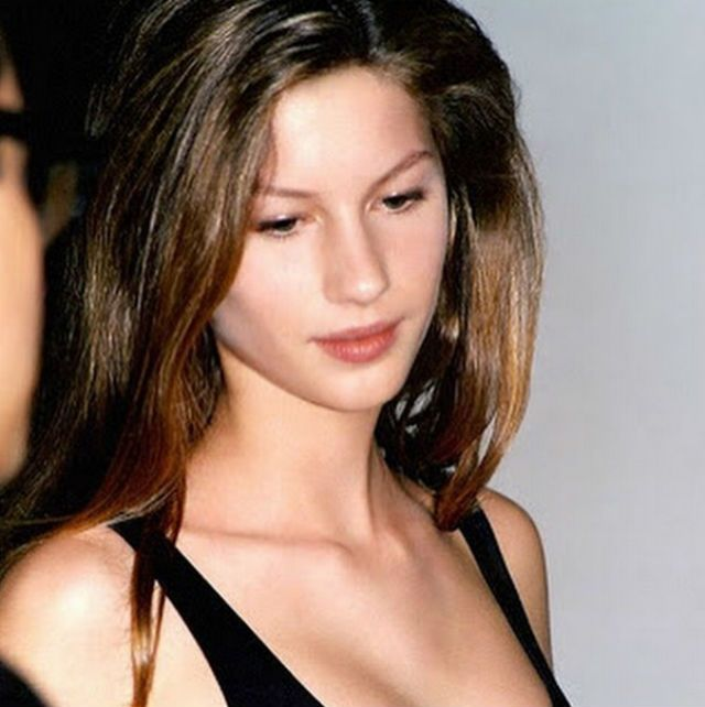 Super young Gisele Bunchen, only 14 years old, the age of her debut // Instagram @giseleofficial