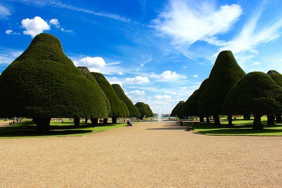 Hampton Court Palace, East Molesey Picture: Hampton Court Entrance - Check out TripAdvisor members' 4,321 candid photos and videos of Hampton Court Palace